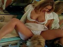 Hermosa Latina invasión en la videos pornos caseros en trios playa,