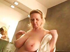 Chica con grandes tetas trio porno casero abrió las piernas de la polla