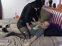 Rubia mi mujer en trio casero gira por tu cola negra