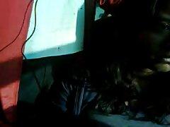 Adolescente toma una videos porno trios caseros entrevista privada con el pene en el cuello.