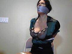 Un grupo del ministro japonés de relaciones sexo casero maduras trios exteriores, Melia, realizó una redada sin modelar.