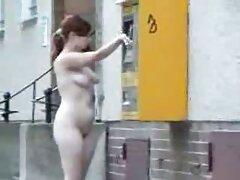 Las mujeres jóvenes bailan con su cuerpo caliente en un videos caseros de trios pornos video Amateur.